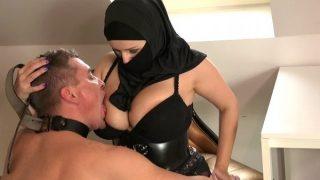 Türbanlı BDSM Porno (2019)